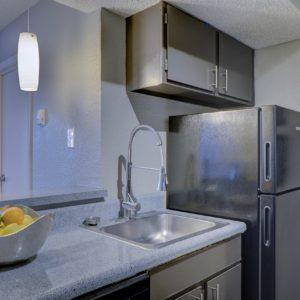 キッチンのスポンジやボトルブラシの収納方法。100均ラックをやめた理由