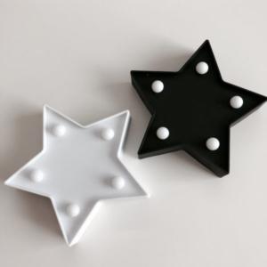 セリアの星型のLEDマーキーライト