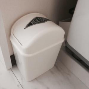 100均フタ付きゴミ箱スイングタイプ